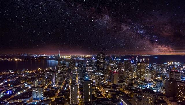 Illustration de l'article L'avenir des villes intelligentes se joue-t-il dans l'espace ?