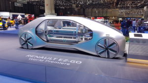 Les larges vitres de Renault EZ-GO