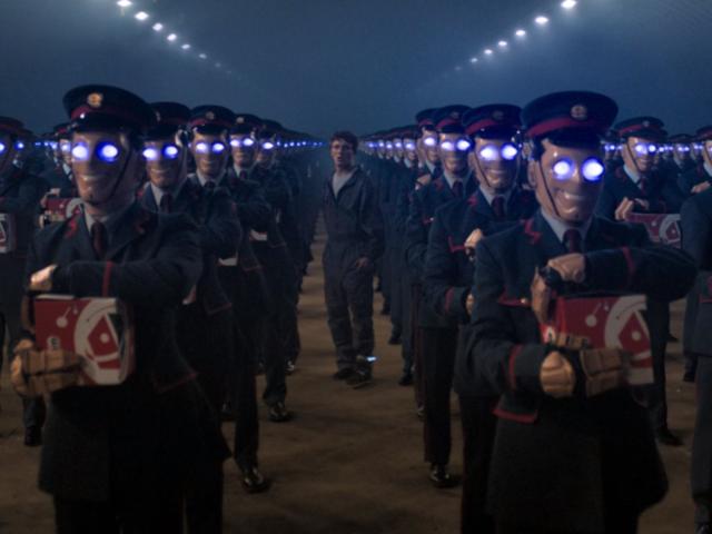L'armée de robots livreurs de Kerblam! - Doctor Who